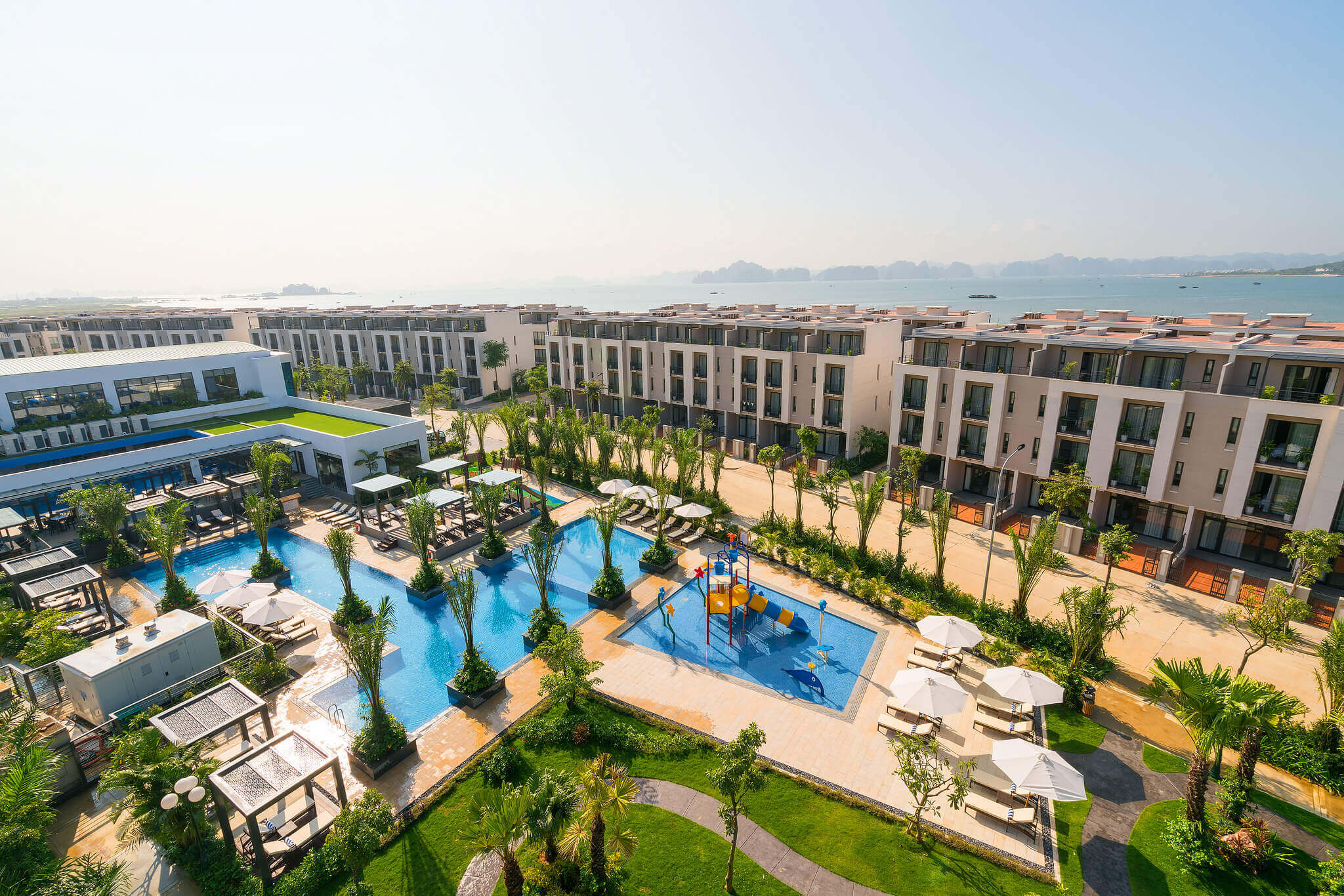 Toàn cảnh khách sạn Royal Lotus Hạ Long Resort & Villa