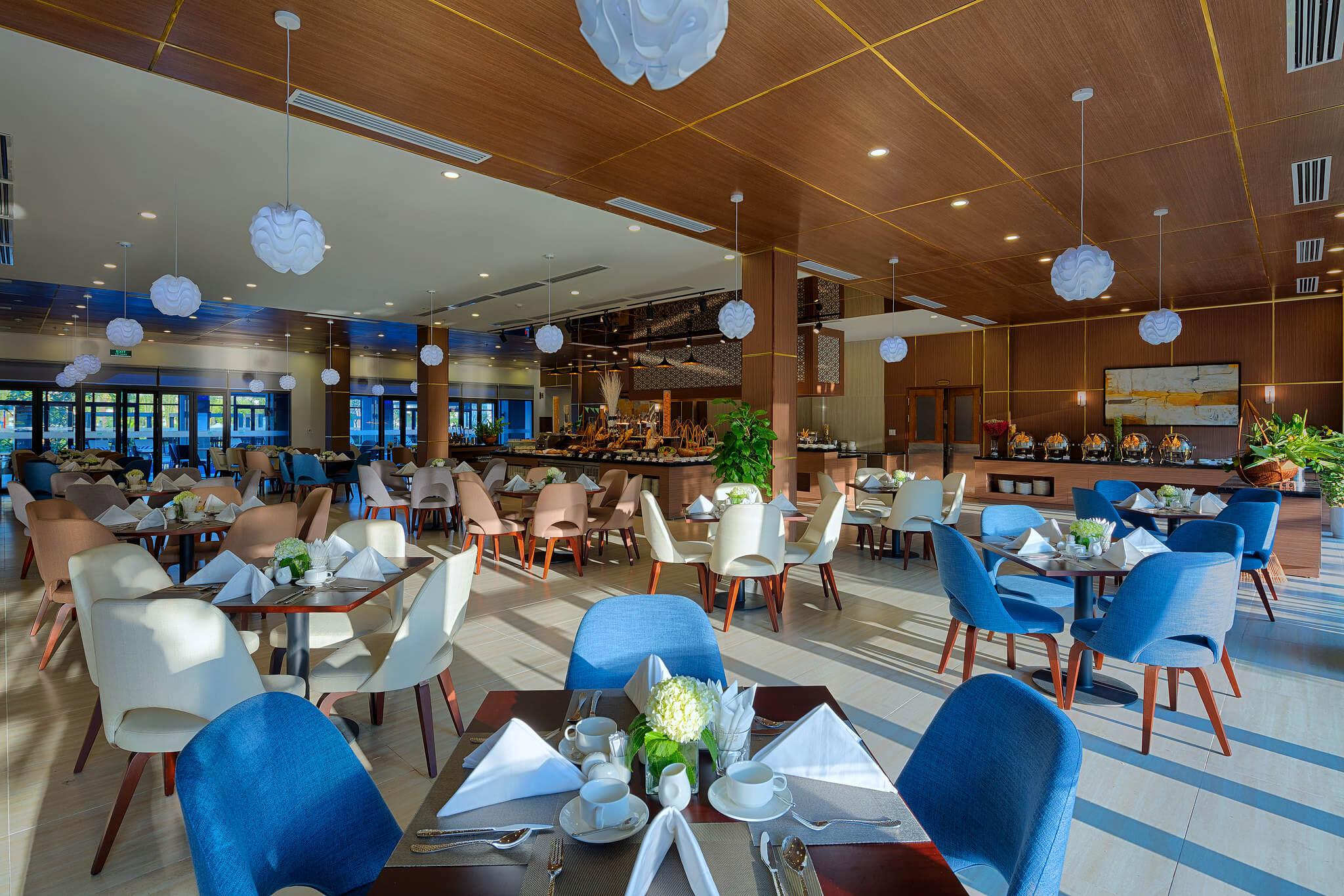 Nhà hàng Garden Bay