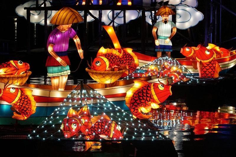 Những chiếc đèn lồng rực rỡ sắc màu tại Gardens by the Bay