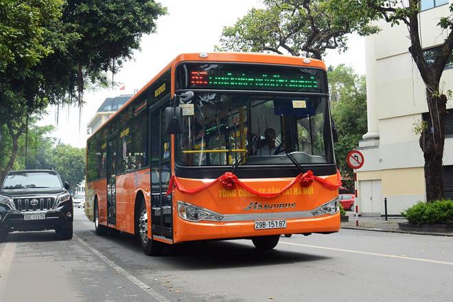 Xe bus đi từ sân bay Nội Bài về trung tâm thành phố