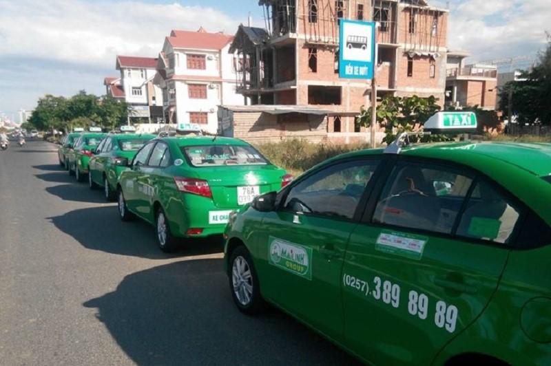 Đi taxi từ sân bay Tuy Hòa về trung tâm thành phố