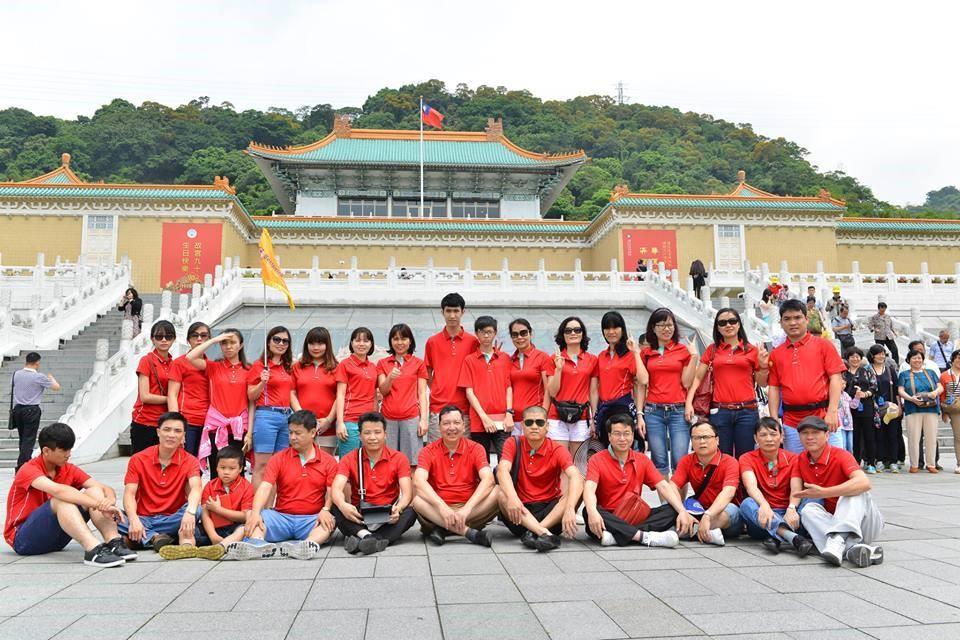 Khách đi tour Đài Loan