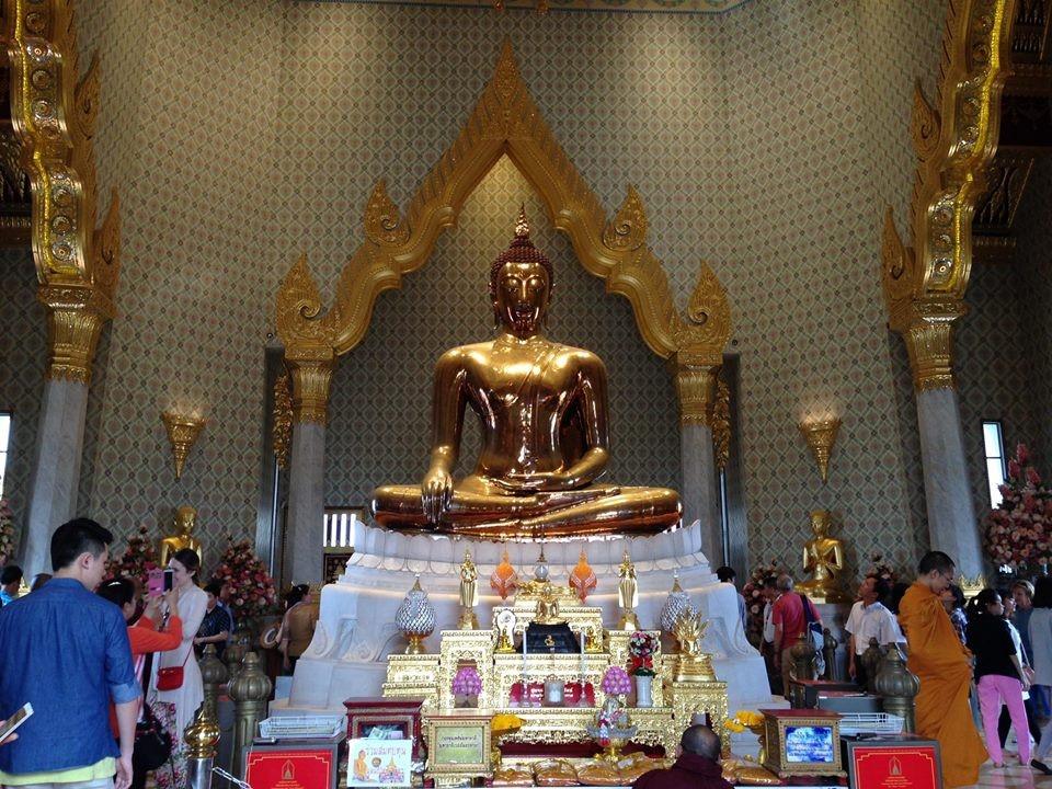 Tượng Phật Thích Ca bằng vàng rất đồ sộ