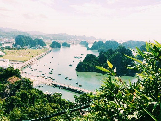 Cảnh nhìn từ núi Bài Thơ.