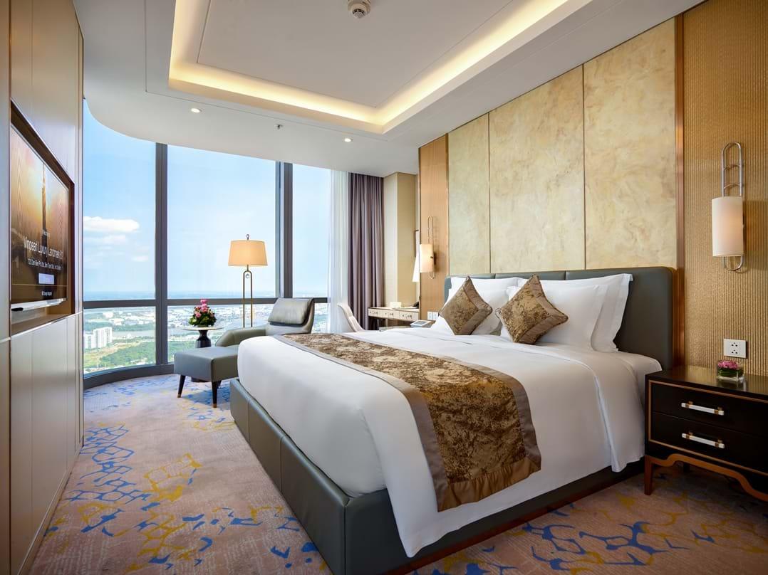 Phòng khách sạn có tầm nhìn ngoạn mục cùng nội thất sang trọng, tinh tế
