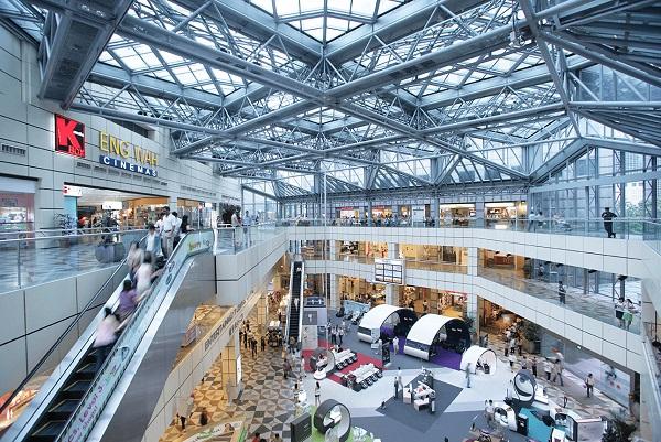 Suntec City Mall tổng hợp nhiều địa điểm thú vị để bạn đến tham quan và mua sắm