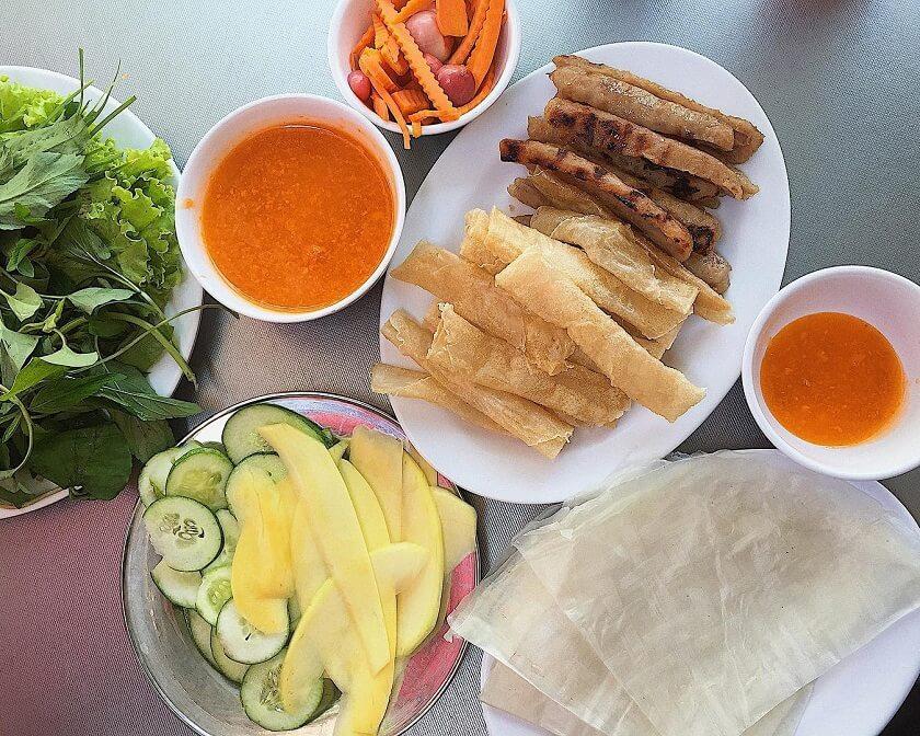 Quán nem nướng Nhã Trang - Một trong các quán nem nướng ngon ở Nha Trang nên thử