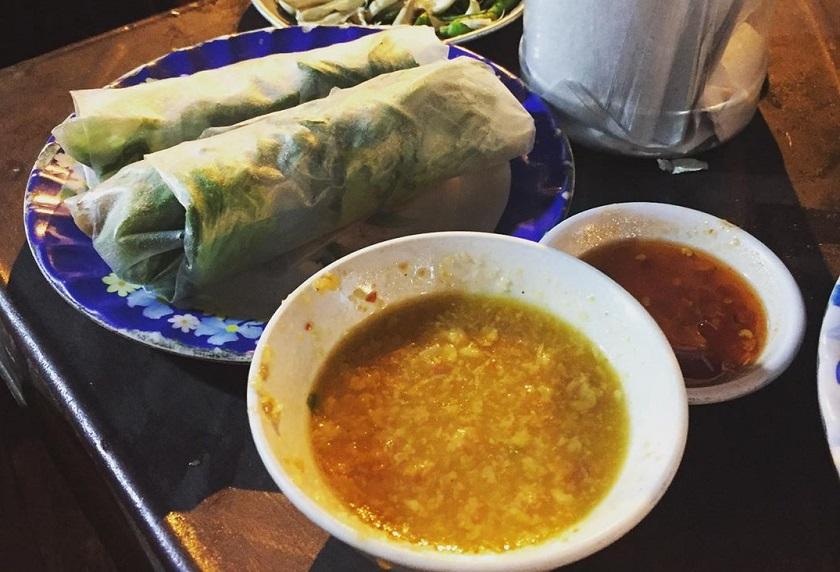 Quán nem nướng bà Sáu - Quán nem nướng ngon ở Nha Trang có từ lâu đời