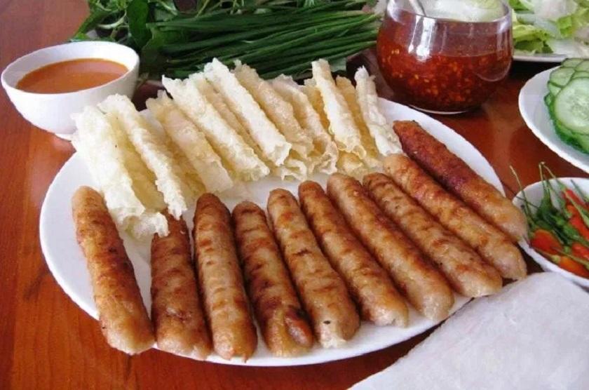 Quán nem nướng bà Năm Nha Trang