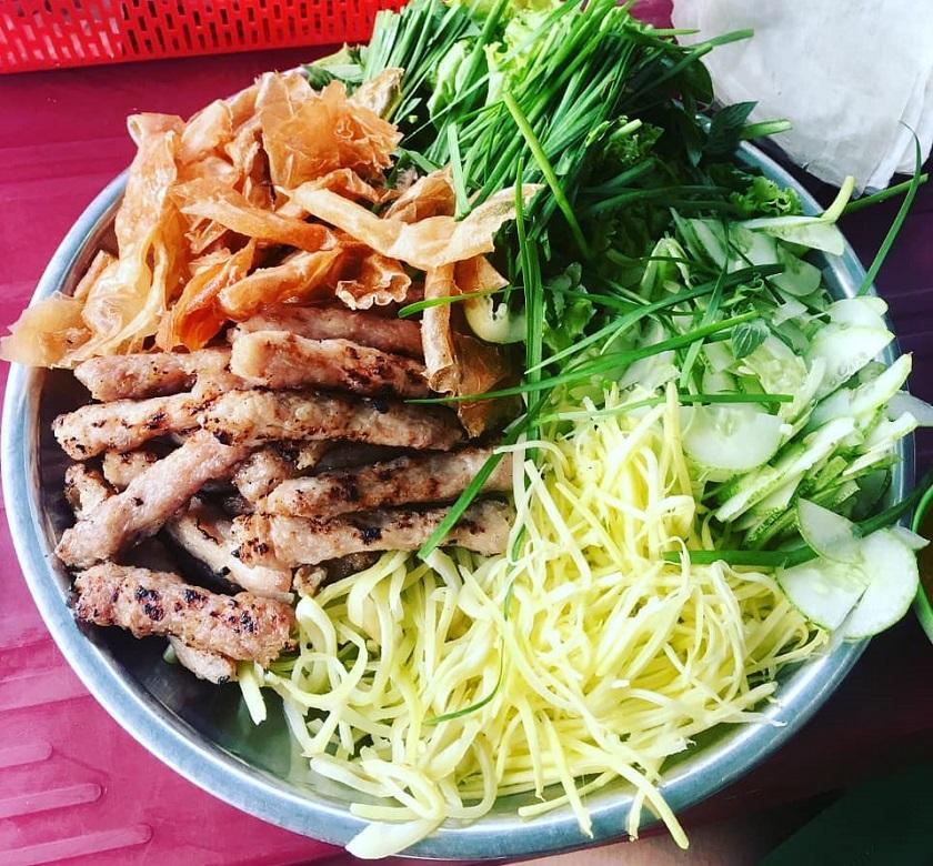 Nem nướng Cô Nô ở Nha Trang