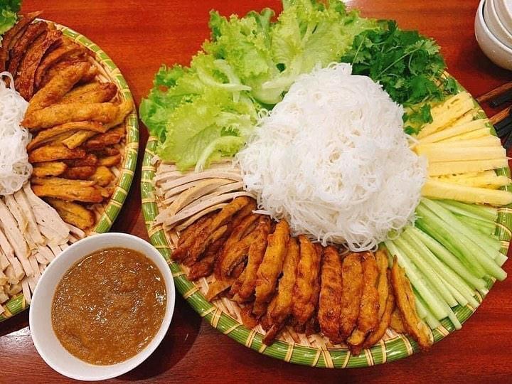 Nem nướng 25 Lê Hồng Phong Nha Trang