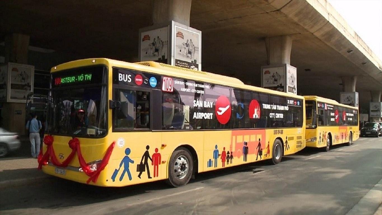 Di chuyển bằng xe bus từ sân bay Tân Sơn Nhất về trung tâm Sài Gòn