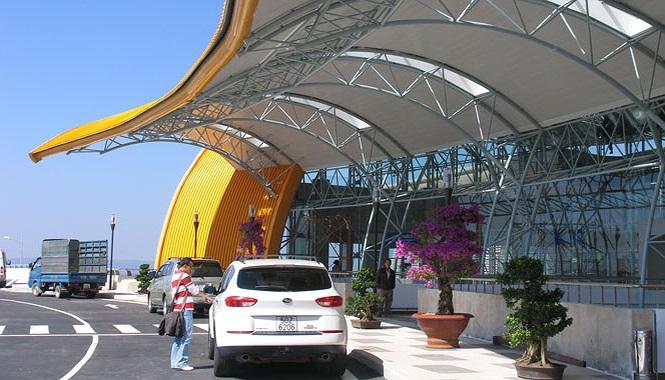 Xe taxi tại sân bay Đà Lạt