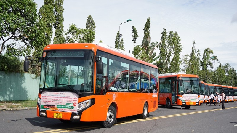 Xe bus từ sân bay Cần Thơ về trung tâm thành phố