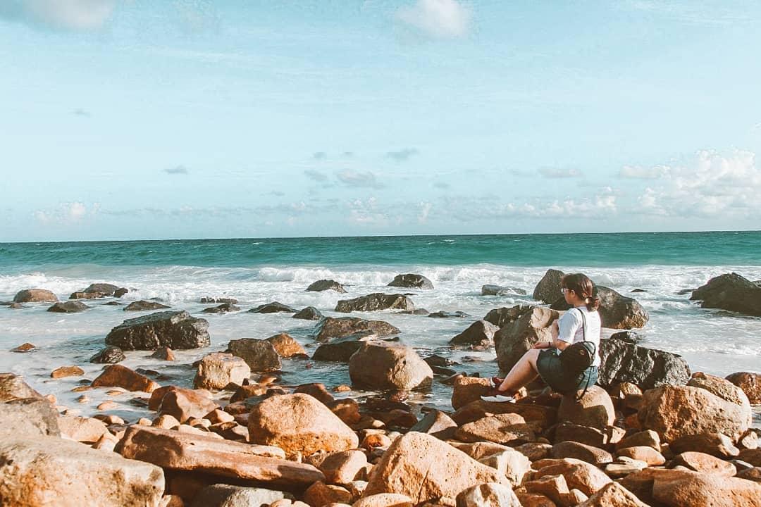 Check in Bãi Suối Nóng trong chuyến du lịch Côn Đảo