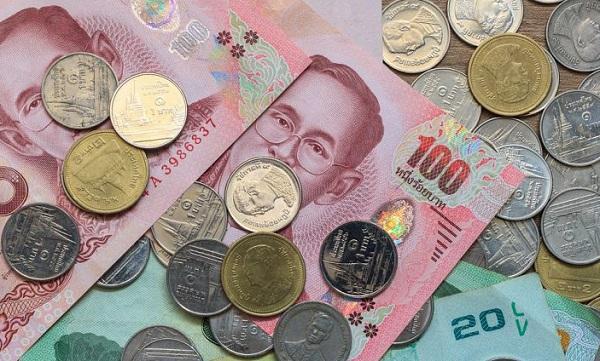 Tiền tệ Thái Lan có hai loại là tiền giấy và tiền xu