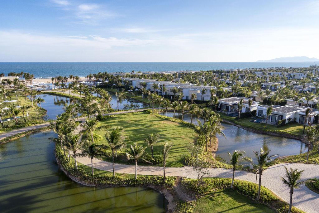 Toàn cảnh khu nghỉ dưỡng Melia Hồ Tràm Beach Resort