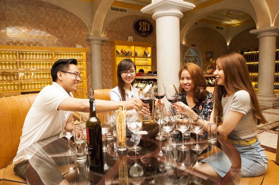 Thăm quan và thưởng thức rượu vang tại Lâu đài rượu vang duy nhất của Việt Nam