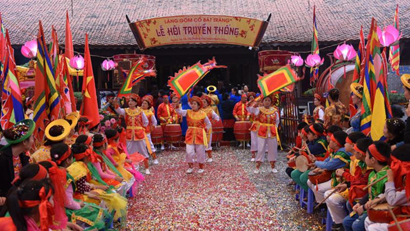Lễ hội làng Bát Tràng