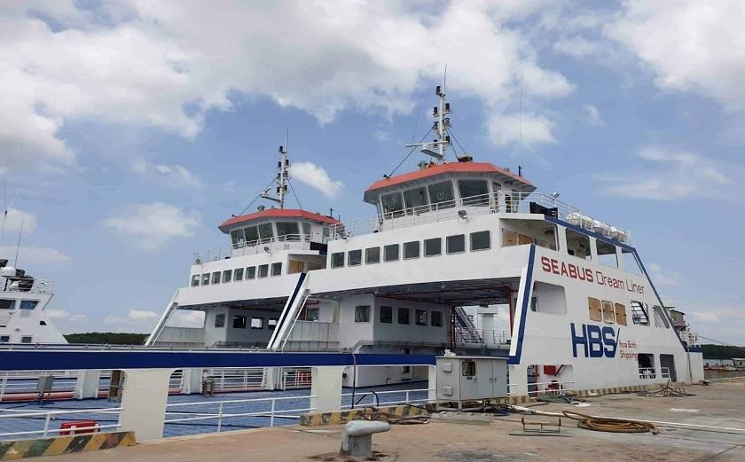 Phà tại cảng Thạnh Thới - Hà Tiên