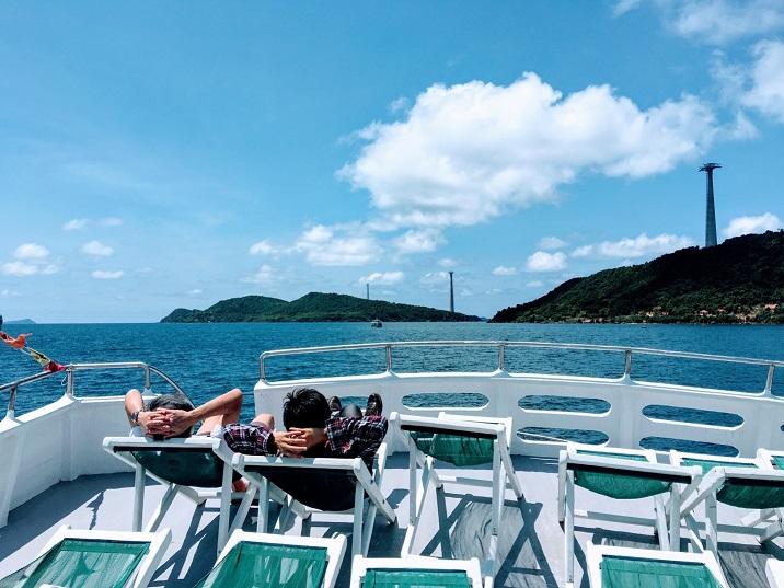 An Thới đẹp mê lòng người với nước biển xanh mướt