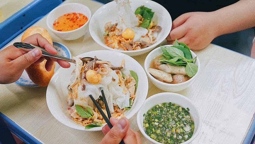 Món bánh ướt Sài Gòn