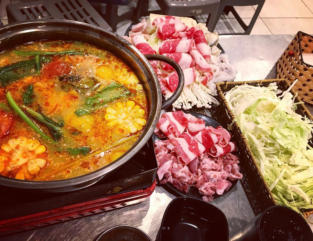 Grilled Tuyet shop - hot pot