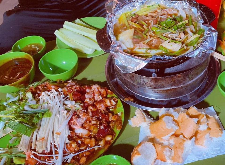 Duck Gourd shop in Tran Hung Dao