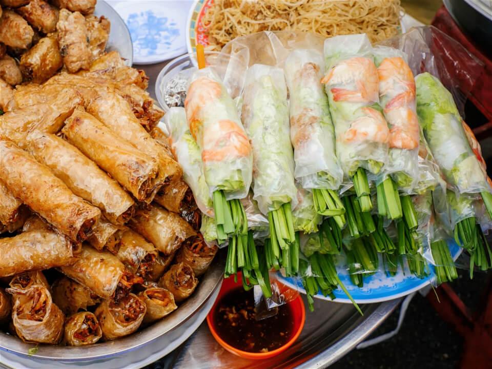 Món gỏi cuốn ngon rẻ dễ ăn ở Sài Gòn