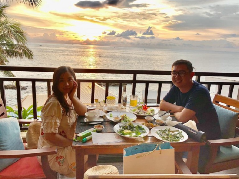 Check in tại nhà hàng Biên Hải cạnh bờ biển