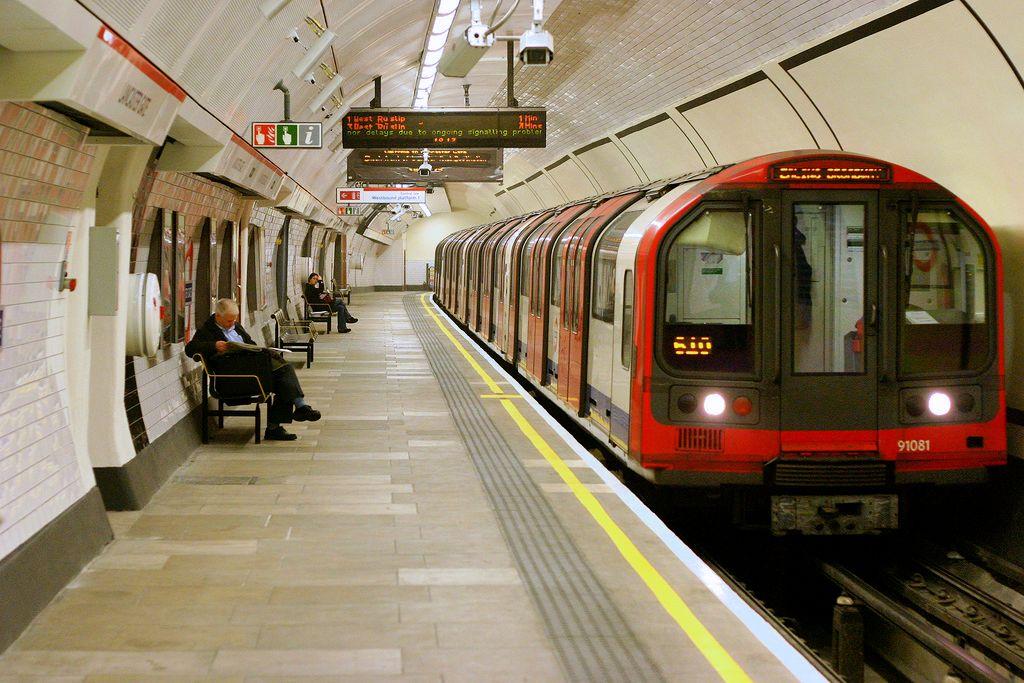 Tàu điện ngầm MRT