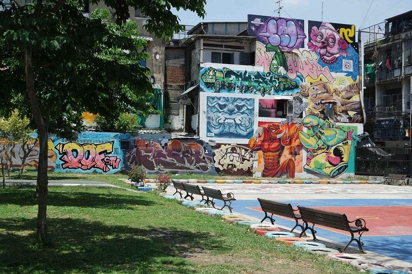 Một góc nhỏ đầy màu sắc tại công viên Chalerm La