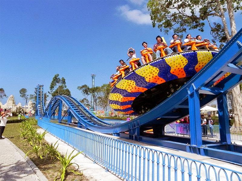 Đĩa văng- một trong những trò chơi mạo hiểm hút khách nhất tại Vinpearland Phú Quốc