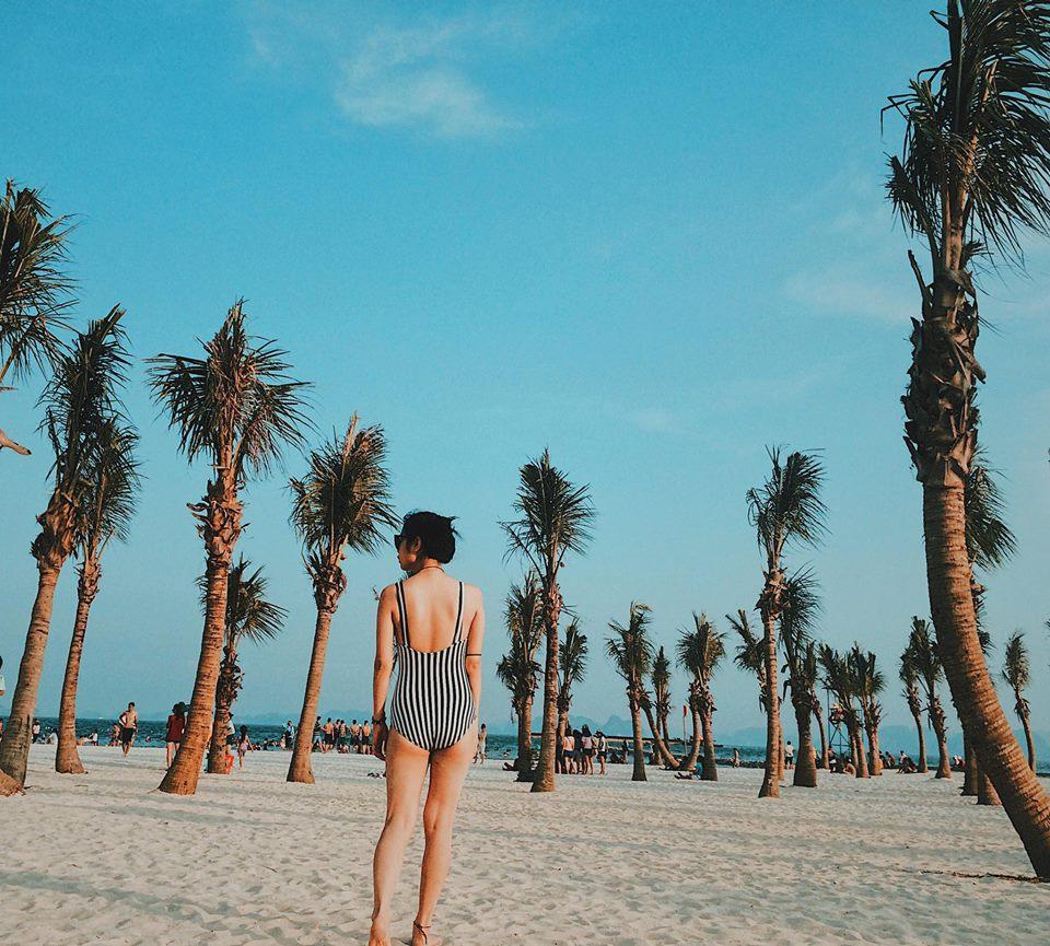 Bãi biển nhân tạo với những bãi cát trắng