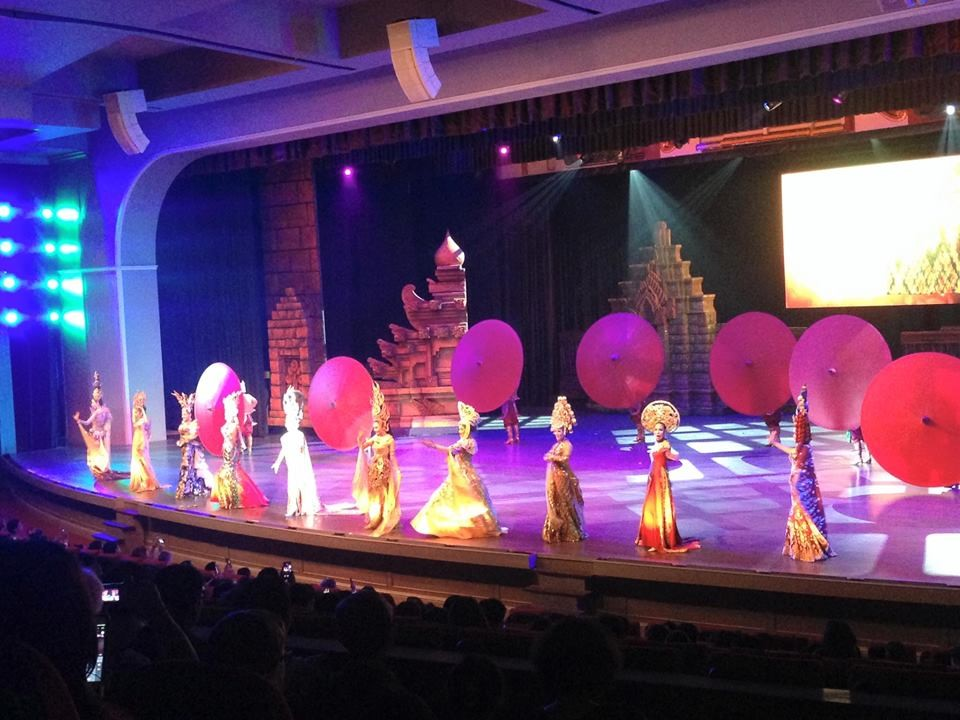 Tiết mục biểu diễn trong trang phục của các nước ASEAN