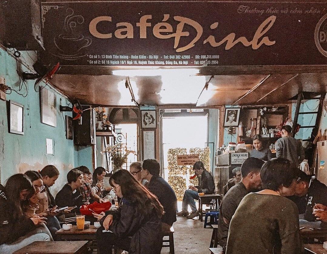 Cafe Đinh là địa điểm vui chơi cuối tuần ở Hà Nội được nhiều du khách ghé đến
