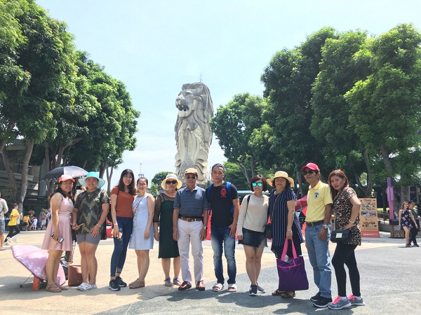 Hình ảnh khách hàng của BestPrice đi tour Singapore