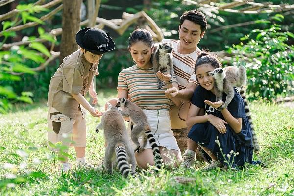Gia đình vui chơi tại Vinpearl Safari Phú Quốc