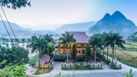 Combo Mai Châu 2N1Đ: Khu nghỉ dưỡng Mai Châu Ecolodge 4* + Xe limousine khứ hồi