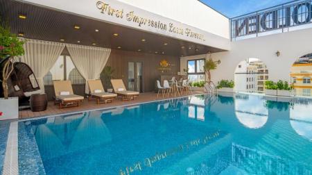 Combo Đà Nẵng 3N2Đ: Khách sạn Golden Lotus 4* + Đón tiễn sân bay