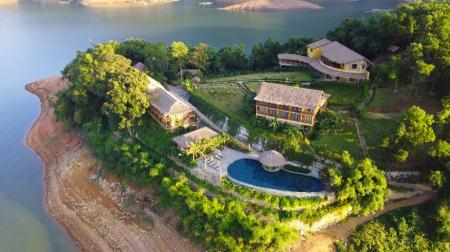 Combo Mai Châu 2N1Đ: Mai Châu Hideaway Lake Resort 4* + Xe khứ hồi