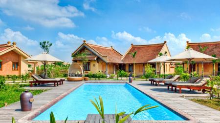 Combo Ninh Bình 2N1Đ: Emeralda Ninh Bình Resort 5* + Xe limousine khứ hồi