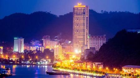 Free & Easy 3N2Đ:  Khách sạn Mường Thanh Luxury Quảng Ninh + Xe Limousine khứ hồi