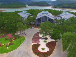 Combo Family 3N2Đ: Terracotta Resort Đà Lạt  + Vé máy bay.