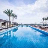 Bể bơi khách sạn Vinpearl Cần Thơ