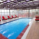 Hồ bơi khách sạn Amazing Sapa