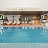 Bể bơi khách sạn Golden Lotus Đà Nẵng