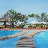 Bể bơi Vinpearl Resort Nha Trang