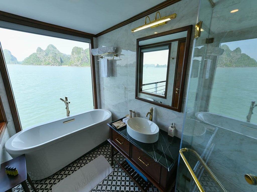Phòng tắm Du thuyền Heritage