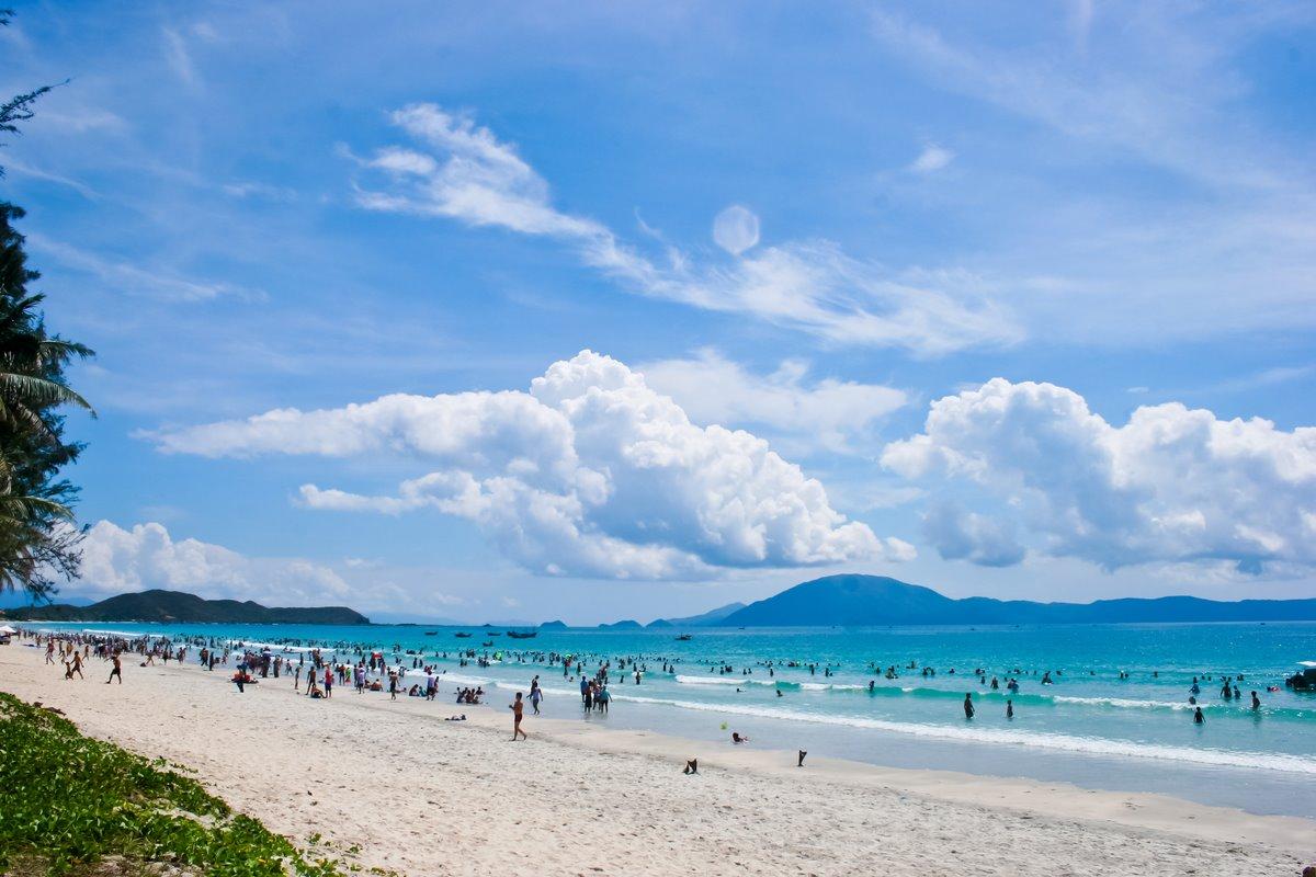 Thiên Cầm Beach
